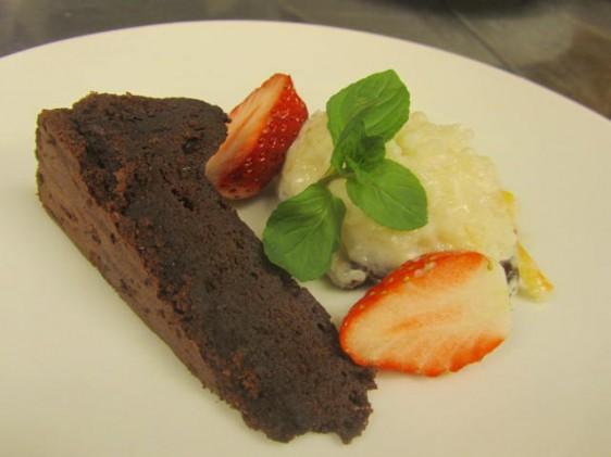 ジンジャー・チョコレートケーキとミルク粥